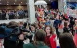 На президентскую елку в Кремль приехали дети из разных российских регионов - победители конкурсов и олимпиад