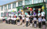 В добрый путь: в Жирновском районе прошли линейки для выпускников